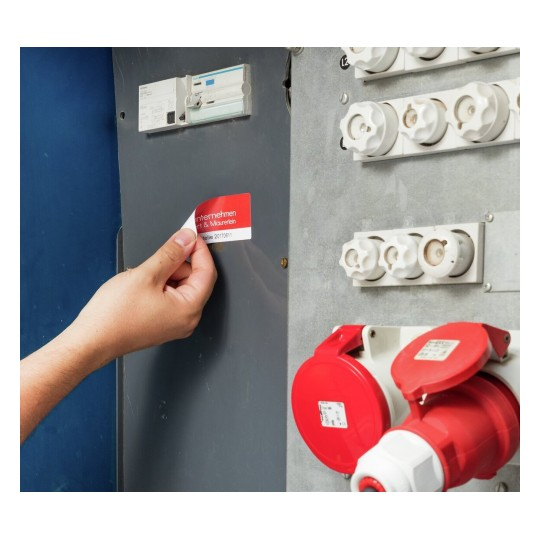 Heavy duty labels, removable, white, suitable for in- and outdoor